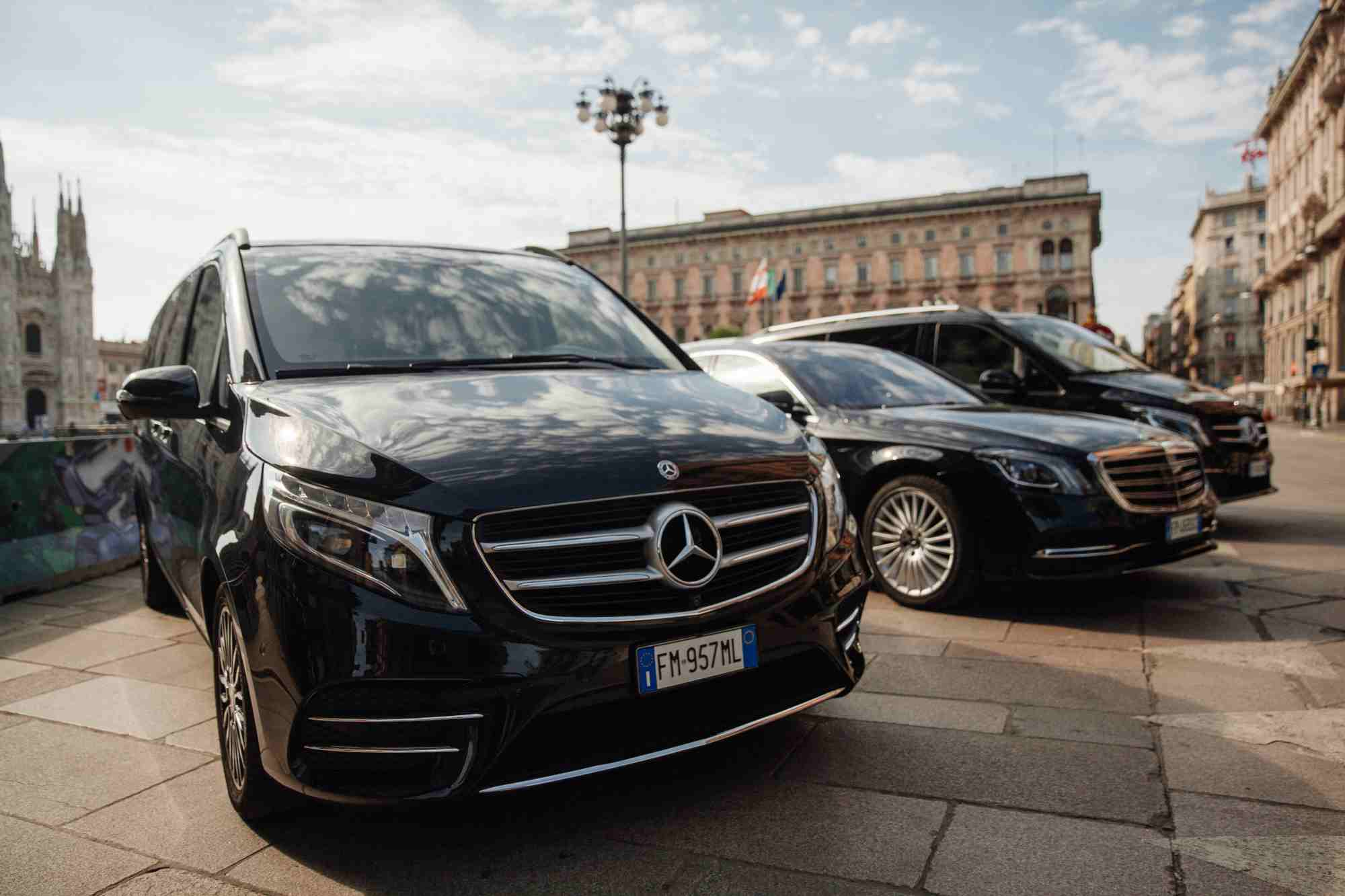 Italy Airport Transfers With Driver | Airport Transfers in Italy | Car Rentals
