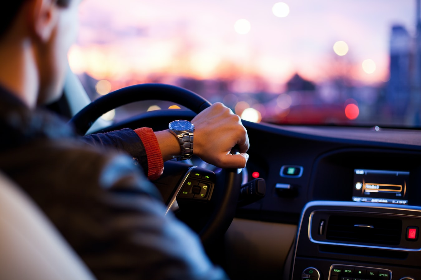 Why Should You Hire Chauffeur Service